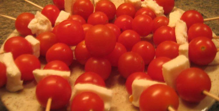 Brochettes de tomates cerises au chèvre