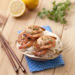 Brochettes de crevettes au gingembre, citron et huile de noix de coco