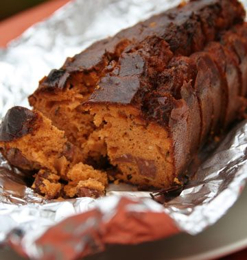 Cake tout rouge au chorizo et au thym