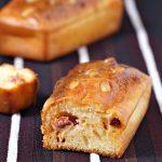 Mini cakes moelleux au chorizo et pignons de pin