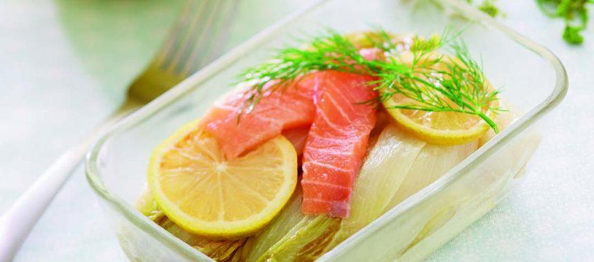 Endives braisées rapides et saumon mariné