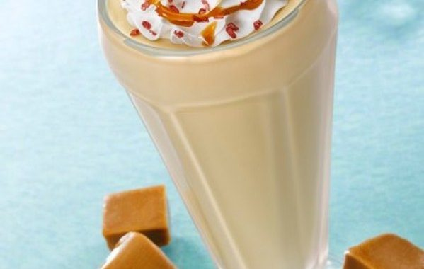 Milkshake à la banane et caramel fleur de sel
