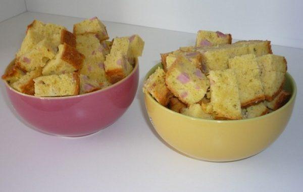Cake au jambon, moutarde et persil