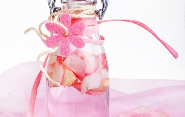 Liqueur de roses maison