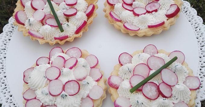 Tartelettes Carré Frais et radis roses