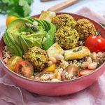 Salade de quinoa et falafels aux pois chiches
