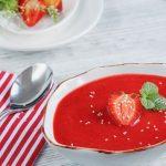 Gaspacho surprise concombre, fraises et framboises