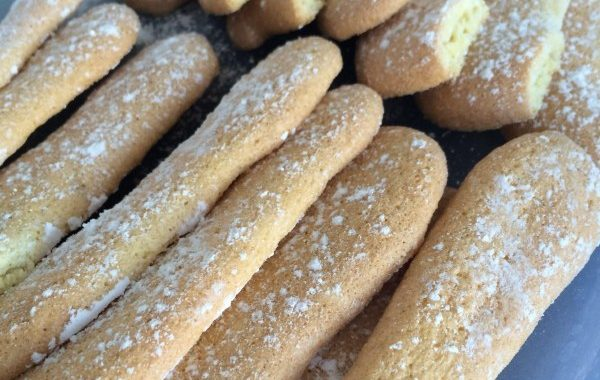 Boudoirs ( biscuits à la cuiller )