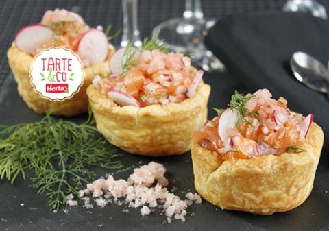 Coupelles feuilletées, tartare de saumon, granité de pamplemousse