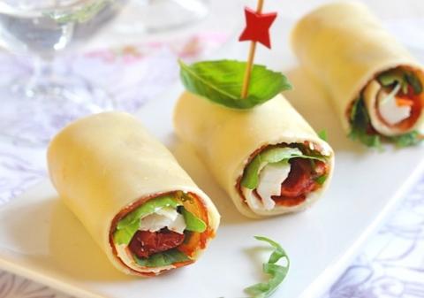 Mini Cannellonis au jambon cru, tomates, parmesan