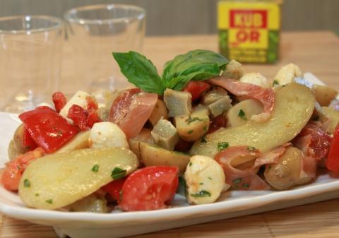 Salade de pomme de terre, artichauts, mozzarella et poivrons confits