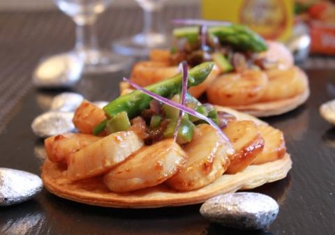 Tartelettes fines aux Saint Jacques et asperges