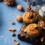 Muffins aux pépites de chocolat, noix et cannelle