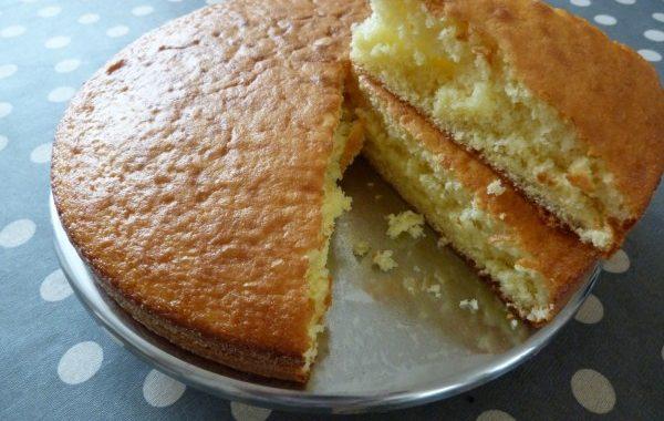Gâteau au yaourt et au lait concentré sucré