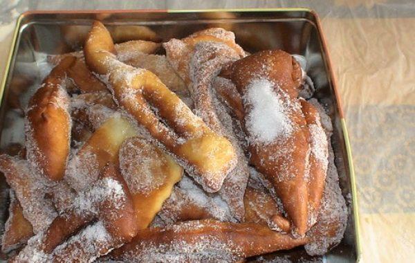 Bugnes ou beignets à la map (machine à pain)