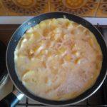 Omelette sucrée aux pommes