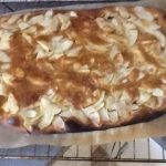 Pizza aux pommes et à la cannelle