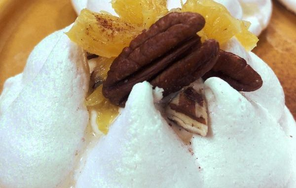 Pavlova festive à la crème de marron