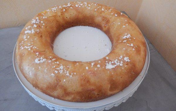 Cake de fin d'été aux prunes noires et reine-claudes