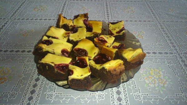 Cheesecake brownie chocolat cerise