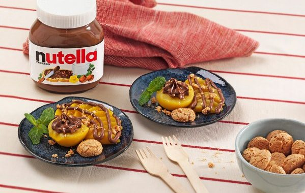 Pêches au Nutella® et amaretti