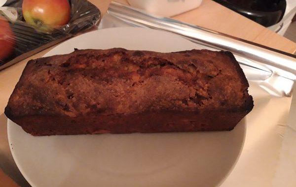 Cake moelleux aux pommes et à la cannelle