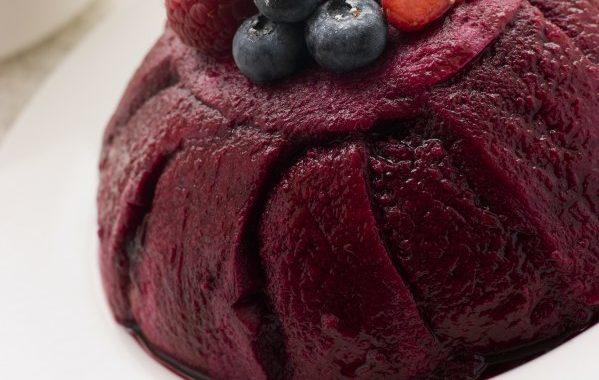 Summer pudding (pudding aux fruits rouges)