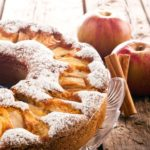 Gâteau pomme-cannelle, ambiance Noël