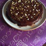 Gâteau à la cannelle et à l'orange (glaçage chocolat)