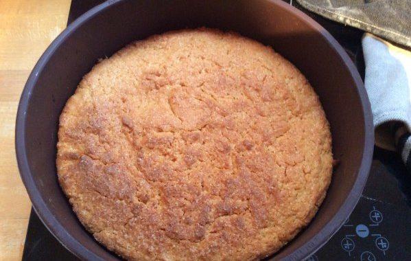 Gâteau au yaourt à la pêche sans oeufs