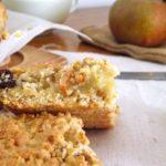 Petits carrés de pommes, poires et cannelle aux flocons d'avoine et miel