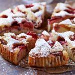Gâteau pomme-rhubarbe