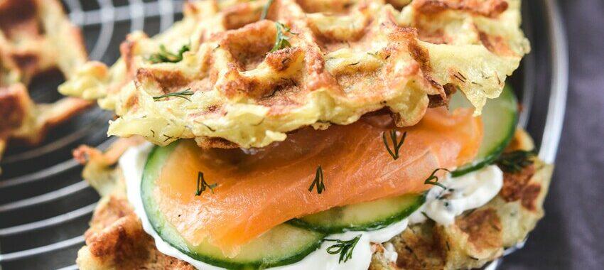 Gaufres de pommes de terre au saumon