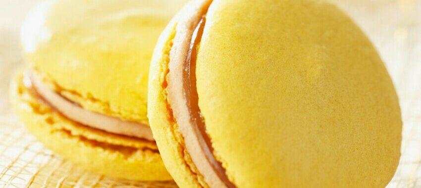 Macarons au foie gras et vin de paille