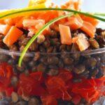 Salade de lentilles aux dés de saumon