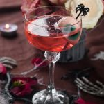 Cocktail rosé d'halloween