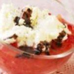 Verrines de fraises, fromage fouetté et caramel balsamique