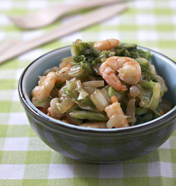 Crevettes sautées au chou chinois et gingembre