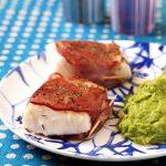 Pavés de cabillaud rôti au bacon et au thym, purée de petits pois