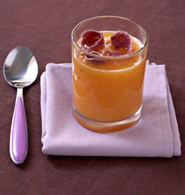 Velouté de melon glacé au pineau des Charentes et jambon cru