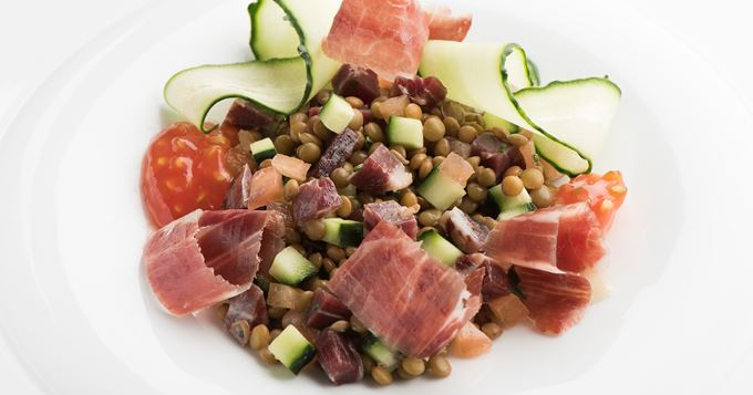 Salade de lentilles concombres et jambon Cinco Jotas