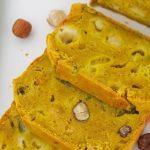 Cake salé aux poireaux, asperges vertes ou haricots verts