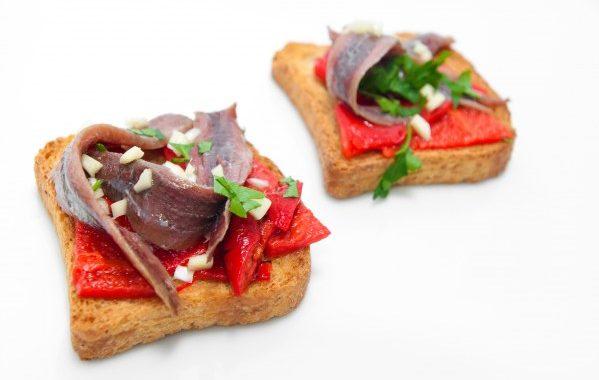 Toasts aux anchois