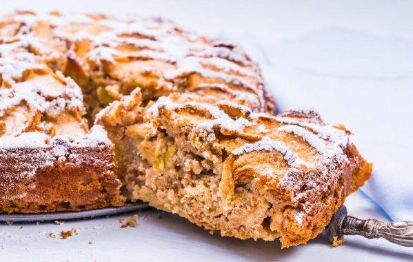 Gâteau aux pommes russe (noisettes-chocolat)