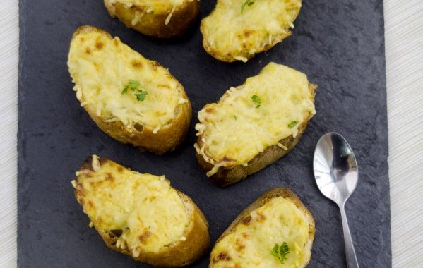 Tartines grillés à la moutarde et au gruyère