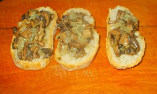 Brushetta aux champignons