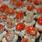 Toasts de tomates d'amour au sésame