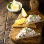 Toasts au tartare de crevettes