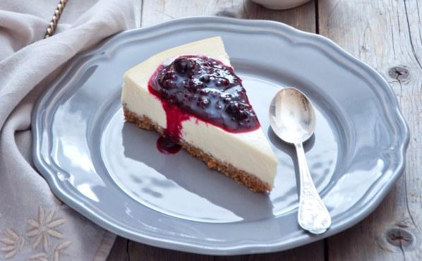 Cheesecake américain au coulis de fraise