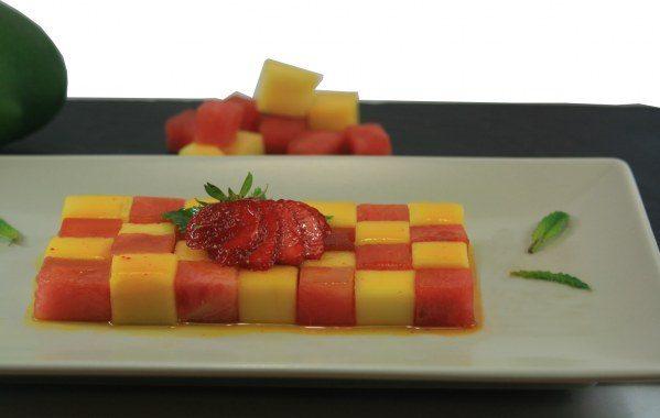 Salade de fruits damier au sirop de safran